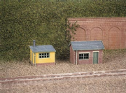237 Ratio: TRACKSIDE ACCESSORIES  2 Lineside Huts (1 brick, 1 wood)